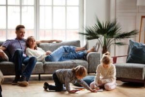 rodinny volny cas v obyvacej izbe