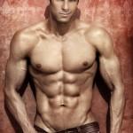 tréningový plán na objem - svalnatý muž