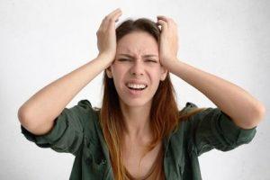 žena v strese