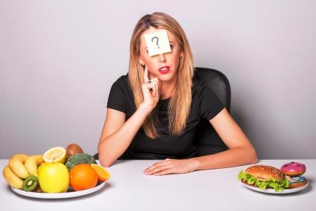 sacharidy žena má dilemu - vybrať si zdravé zložené sacharidy alebo nezdravé sacharidy