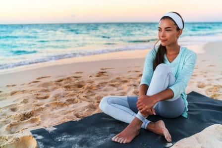 žena relaxuje pravidelne dýcha