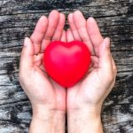 srdce v zenskej dlani